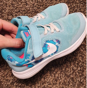Кроссовки детские Nike р.30-31