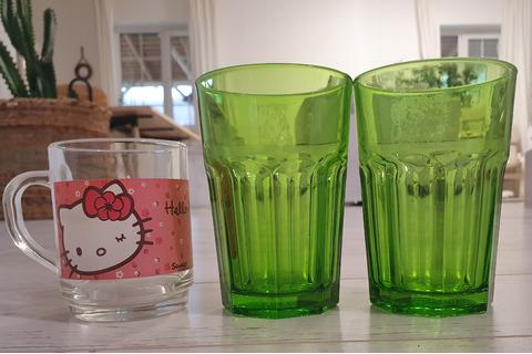 Бокалы зелёные 3шт и  чашка